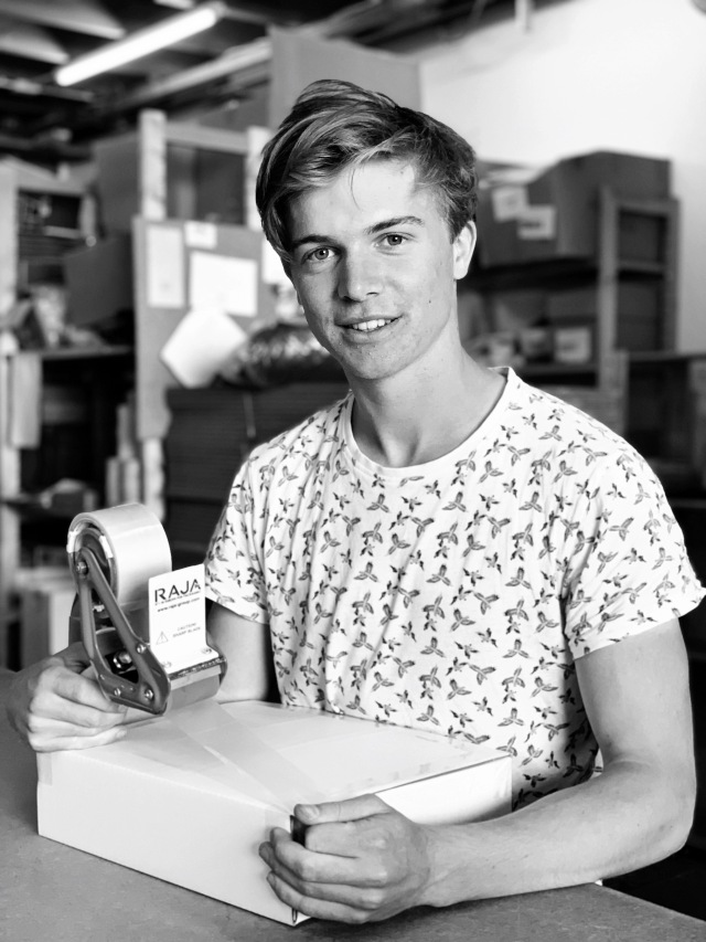 Tom van der Zwet_Pakkettenfabriek